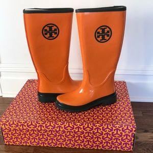 Tory Burch Logo Rain-boots, size 7